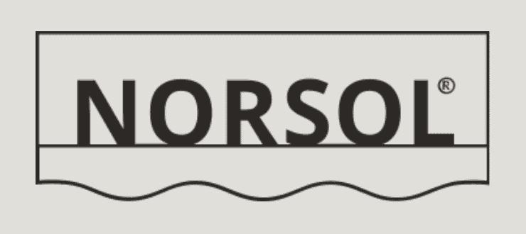 Logoen til Norsol med beige bakgrunn